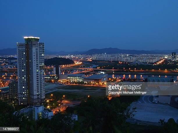 city apartments - daejeon stockfoto's en -beelden