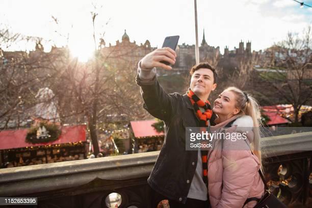 city break selfie - edinburgh scotland stock pictures, royalty-free photos & images