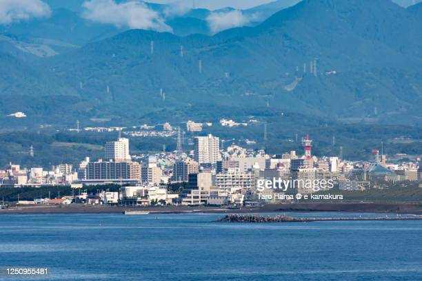 city buildings by the sea in kanagawa prefecture of japan - 平塚市 ストックフォトと画像