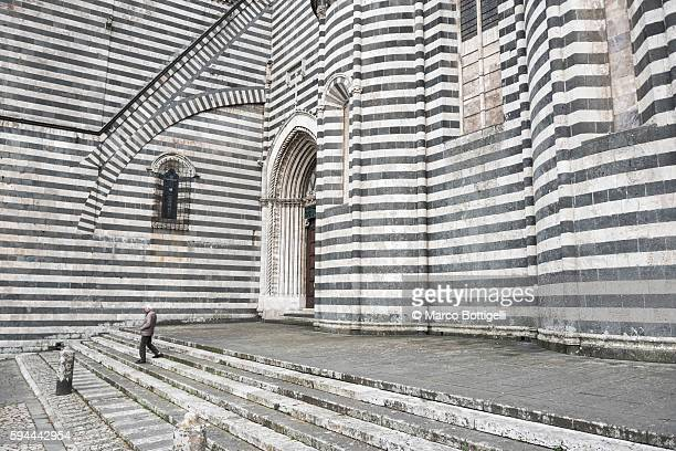 city cathedral (duomo), orvieto, terni province, umbria, italy. - orvieto stock pictures, royalty-free photos & images