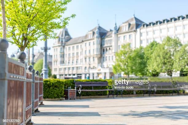 city central, morning park scene blurred background - ヨーロッパ文化 ストックフォトと画像