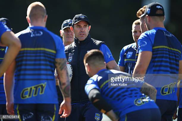 City coach Brad Fittler speaks to his players during a City NSW Origin training session at Leichhardt Oval on May 3 2016 in Sydney Australia