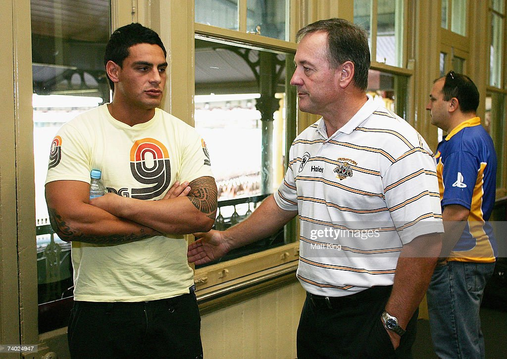 City coach Tim Sheens (R) talks to Reni Maitua after he was ruled out through injury during the City Origin team assembly at the Sydney Cricket Ground on April 30, 2007 in Sydney, Australia.