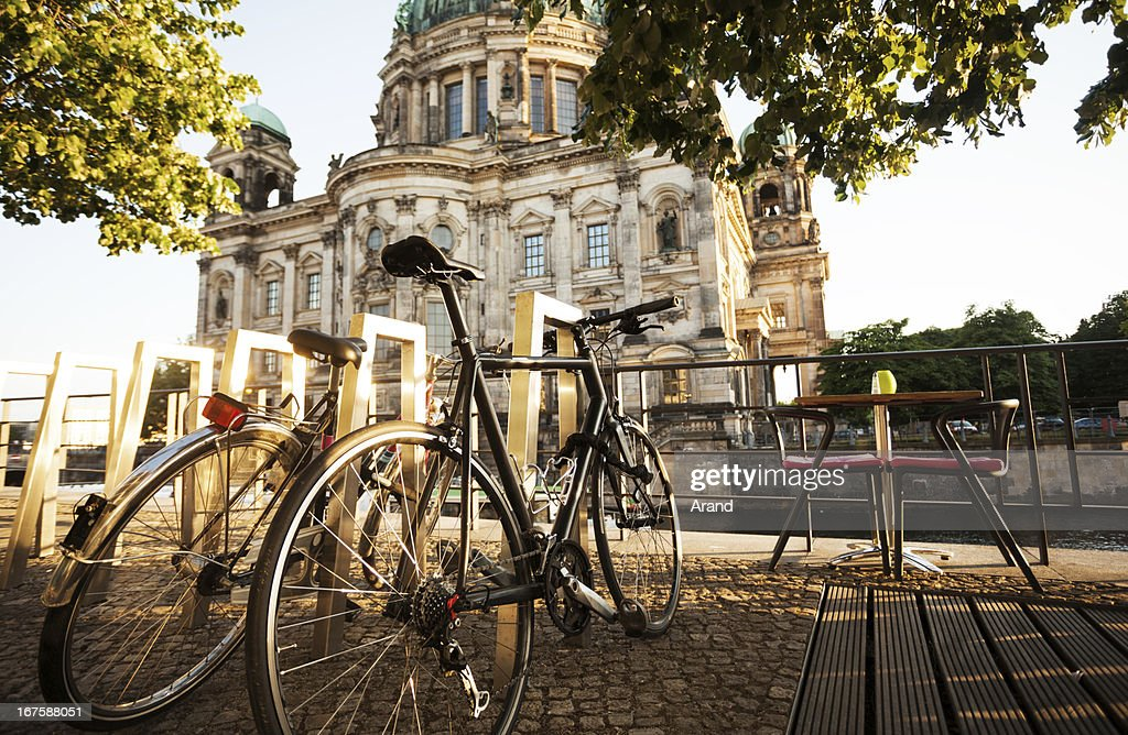 city cycle commuting : Stock Photo