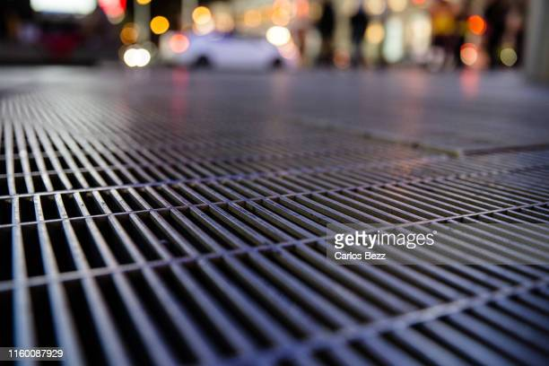 city flooring - differential focus stock pictures, royalty-free photos & images