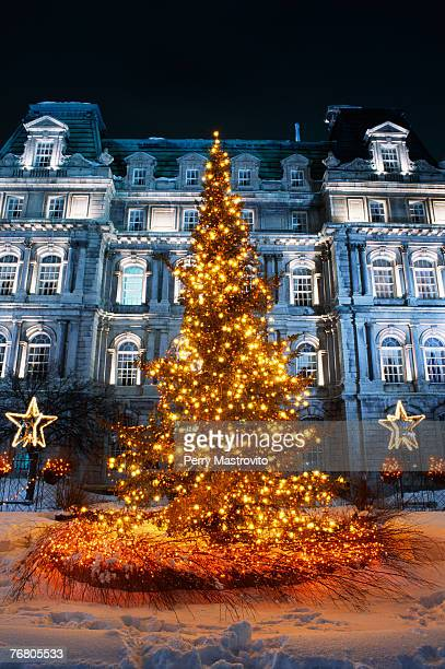 city hall and place jacques cartier, quebec, canada - place jacques cartier stock pictures, royalty-free photos & images