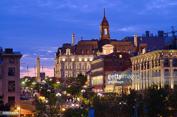 city hall and place jacques-cartier in montreal, quebec at night - vieux montréal stock pictures, royalty-free photos & images