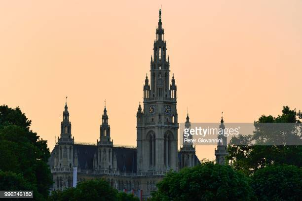 city hall in the evening light, innere stadt district, vienna, austria - stadt stock pictures, royalty-free photos & images