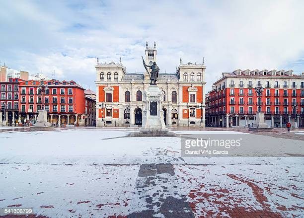 city hall in the plaza mayor of valladolid - valladolid spanish city stock pictures, royalty-free photos & images