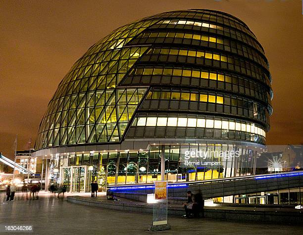 CONTENT] City hall on the south bank of the river Thames in London home to the lord mayor of London