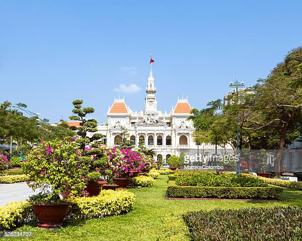 city hall or people's committee building, saigon - people's committee building ho chi minh city stock pictures, royalty-free photos & images