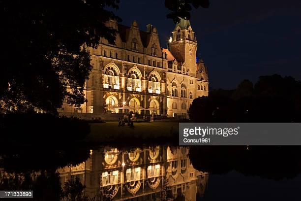 シティーホール(ノイエ rathaus ) - ローカルな名所 ストックフォトと画像
