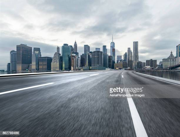 city highway - empty road stock pictures, royalty-free photos & images