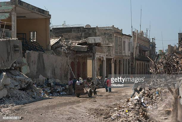 city in ruins - haiti stock pictures, royalty-free photos & images