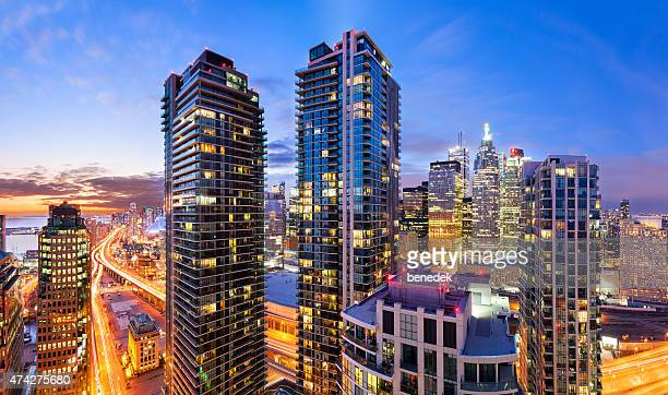 city life downtown toronto vibrant cityscape skyline - skyscraper stock pictures, royalty-free photos & images