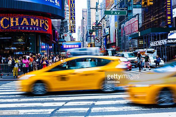 691f08a76451a 30 Top Busy New York Street Motion Blur Pictures