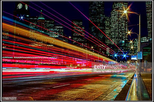 city lights in seattle - reflexo efeito de luz - fotografias e filmes do acervo