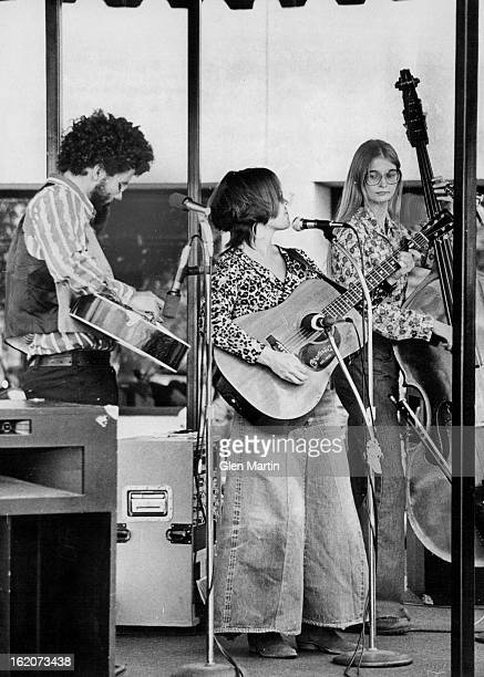 JUN 22 1976 JUN 23 1976 City Limits Bluegrass Band from left Patrick Rossiter dobro and sixstring guitar Lynn Morris sixstring guitar and Mary...