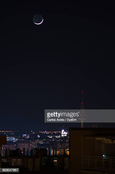 city lit up at night - carlos aviles stock pictures, royalty-free photos & images
