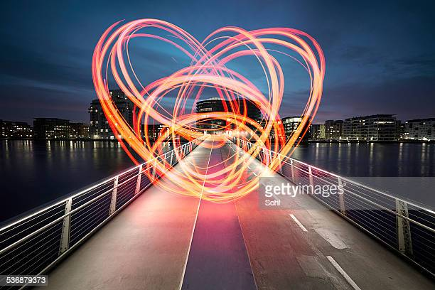 city love - love emotion stockfoto's en -beelden