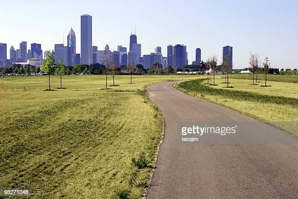街と自然 - 散歩道 ストックフォトと画像