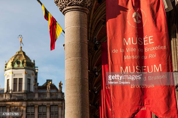 city museum banners and flag - merten snijders - fotografias e filmes do acervo