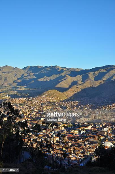 """city of cusco, peru and andes mountains - """"markus daniel"""" - fotografias e filmes do acervo"""