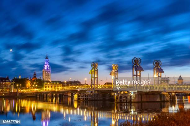 city of kampen at the river ijssel during the night - overijssel stock pictures, royalty-free photos & images