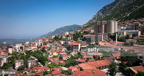 city of kruje - krujë stockfoto's en -beelden