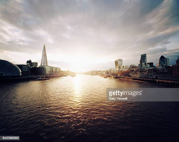 city of london and shard at sunset - river thames stock pictures, royalty-free photos & images
