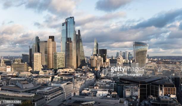 city of london skyline - central london photos et images de collection