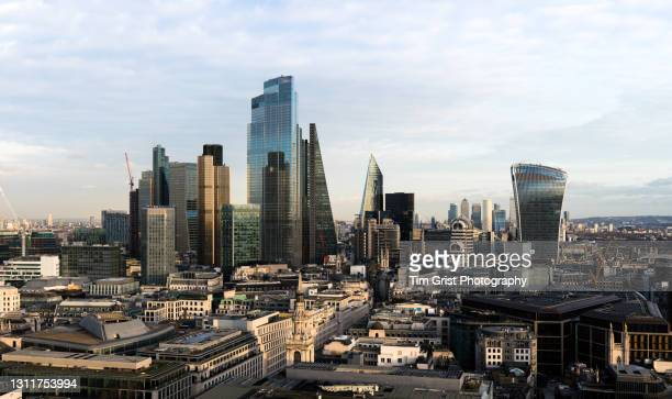 city of london skyline - tariff stock pictures, royalty-free photos & images