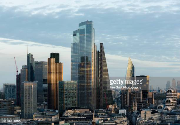 city of london skyscrapers - big tech stock pictures, royalty-free photos & images