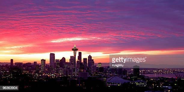 stadt skyline von seattle, usa - space needle stock-fotos und bilder