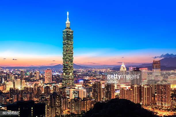 city of taipei skyline at night - taiwan stock photos and pictures