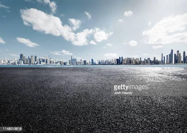 city parking lot and square - soleggiato foto e immagini stock