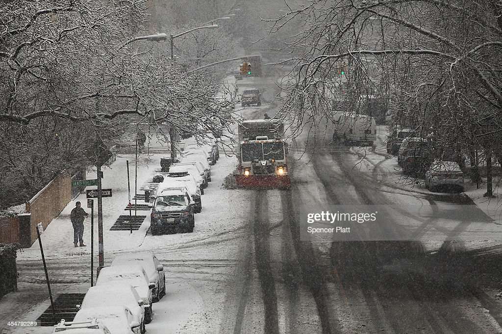Cold Weather System Brings Snow To New York Area Photos And Images - 10 day weather ny