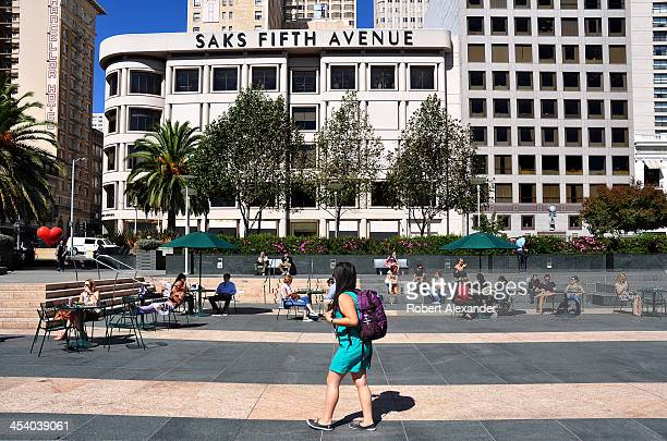 City residents and visitors relax in San Francisco's Union Square