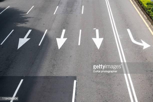 city road - freie straße stock-fotos und bilder
