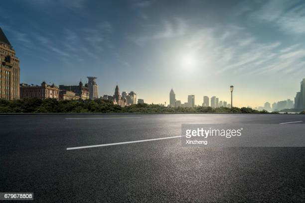 city road - viewpoint stock pictures, royalty-free photos & images