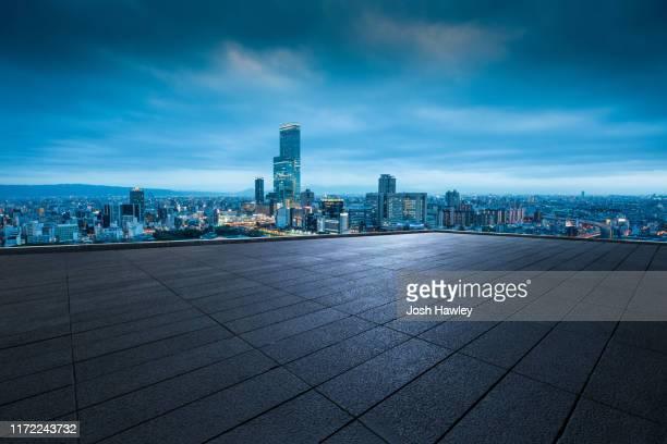 city rooftop - 屋根 ストックフォトと画像
