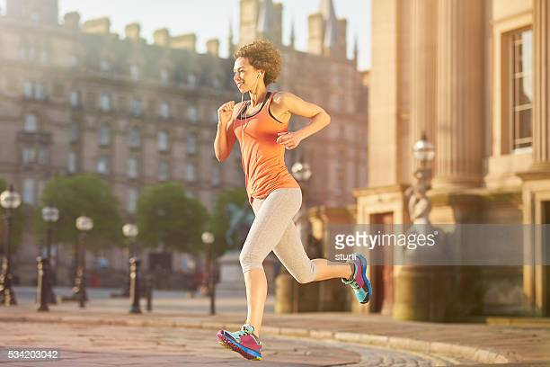 city runner - liverpool training stock pictures, royalty-free photos & images