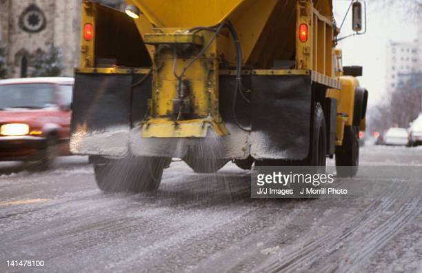 city salt truck - road salt stock pictures, royalty-free photos & images