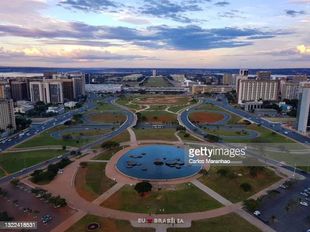 city seen from above - ブラジリア連邦直轄区 ストックフォトと画像