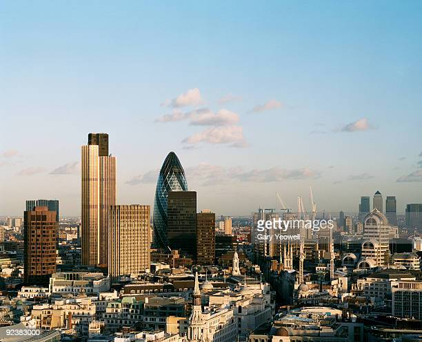 city skyline from elevated view atop st paul's - yeowell stock pictures, royalty-free photos & images