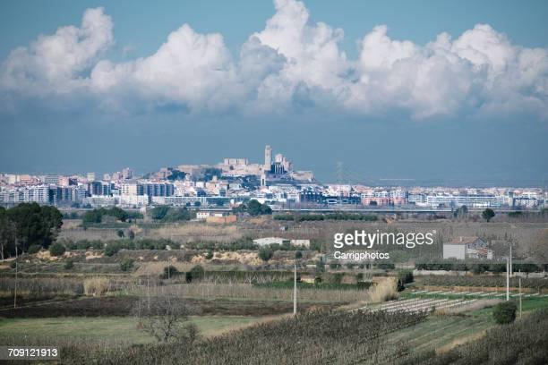 city skyline, lleida, spain - provinz lerida stock-fotos und bilder