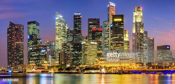 Toits de la ville-au crépuscule 35MPix XXXXL de Singapour