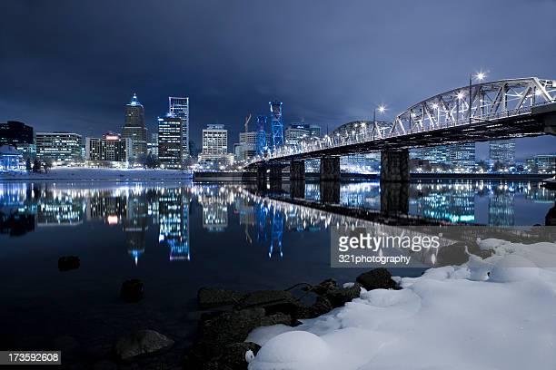 city snow xxl - portland oregon stock pictures, royalty-free photos & images