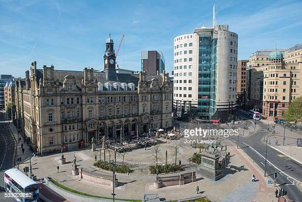 city square, leeds - leeds city centre fotografías e imágenes de stock