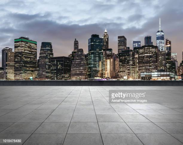 city square of manhattan at dusk - roof stock pictures, royalty-free photos & images